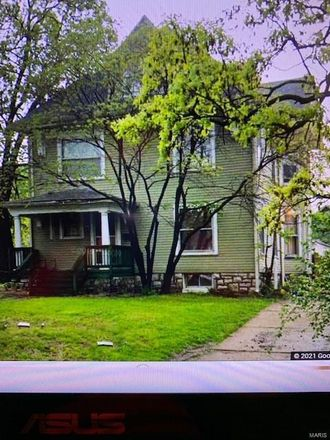 Rent this 4 bed house on 2004 McCausland Avenue in City of Saint Louis, MO 63143