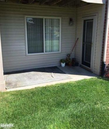 Rent this 2 bed condo on Houghton Dr in Utica, MI
