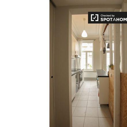 Rent this 1 bed apartment on Rue du Clocher - Kloktorenstraat 20 in 1040 Etterbeek, Belgium