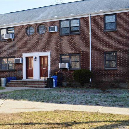 Rent this 3 bed condo on 19 160th St in Whitestone, NY
