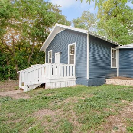 Rent this 3 bed house on 1425 Montana Street in San Antonio, TX 78203