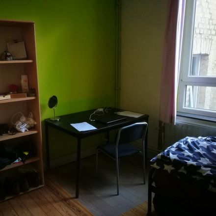 Rent this 3 bed room on Rue Laurent de Koninck 23 in 4000 Liège, Belgium