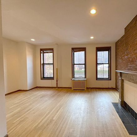 Rent this 2 bed apartment on 265 West 19th Street in New York, NY 10011