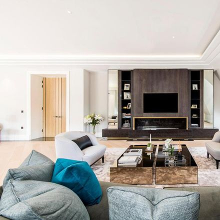 Rent this 4 bed apartment on The Towers in 53 The Bishops Avenue, London N2 0BB