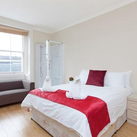Rent this 0 bed apartment on 167 Gloucester Place in London NW1 6QA, United Kingdom