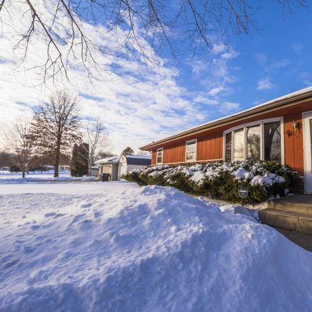 Rent this 3 bed house on Grainery Rd in Roscoe, IL