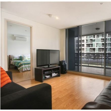 Rent this 3 bed apartment on 306/6 Lachlan St