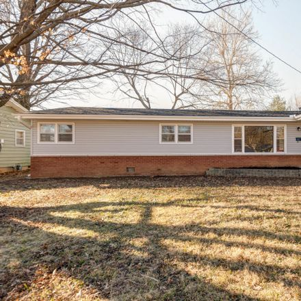 Rent this 3 bed house on 2349 South Kings Avenue in Springfield, MO 65807
