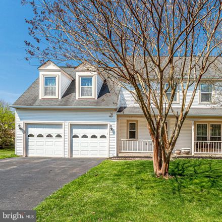 Rent this 4 bed house on 21739 Pinewood Court in Sterling, VA 20164