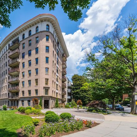 Rent this 2 bed condo on Connecticut Avenue Northwest in Washington, DC 20008