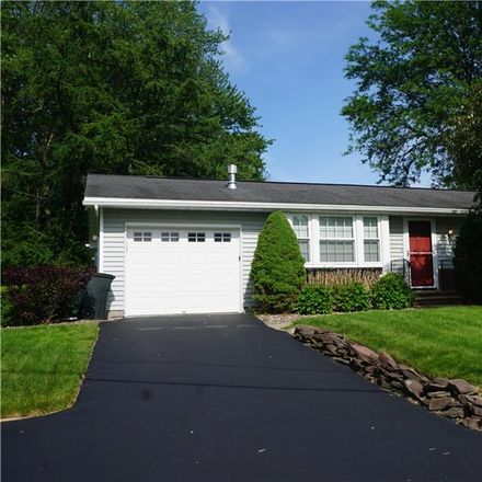 Rent this 4 bed house on Walnut Pl in Liverpool, NY