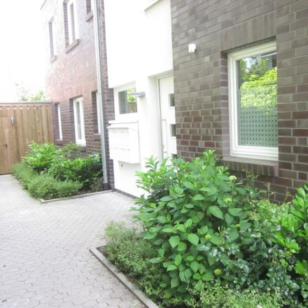 Rent this 3 bed townhouse on Sodenstich 105 in 26131 Oldenburg, Germany
