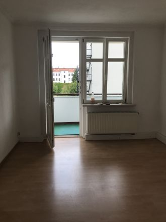 Rent this 3 bed apartment on Melanchthonstraße 16 in 02826 Görlitz, Germany