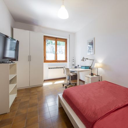 Rent this 4 bed room on Via della Marna in 20161 Milano MI, Italia