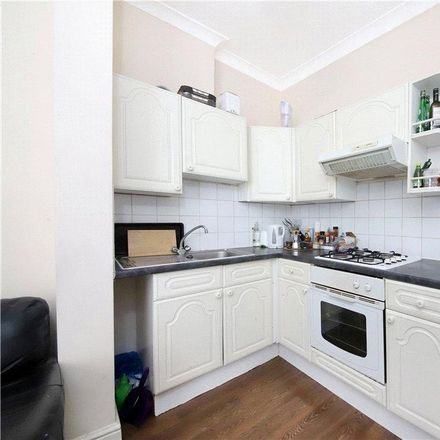 Rent this 3 bed apartment on Bolingbroke Stock Pond in Bolingbroke Grove, London SW11 6HR