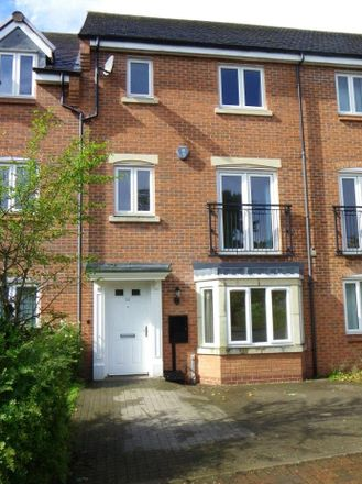 Rent this 4 bed house on Baskerville School in Fellows Lane, Birmingham B17 9TS