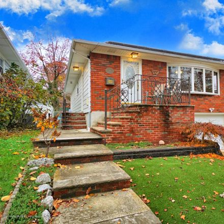 Rent this 3 bed house on 33 Scranton Street in New York, NY 10304