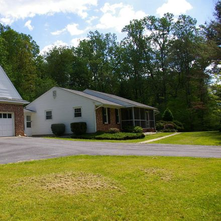Rent this 3 bed house on River Rd in Manassas Park, VA