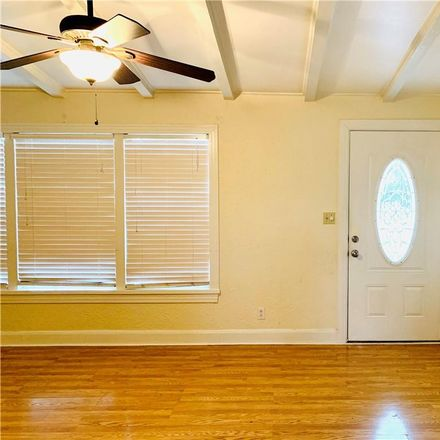 Rent this 3 bed house on 2901 Kipling Street in Victoria, TX 77901