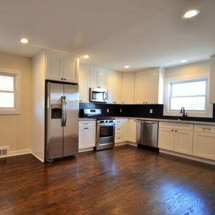 Rent this 3 bed apartment on Bloomfield Ave in Bloomfield, NJ