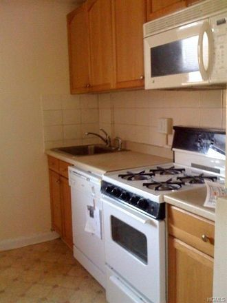 Rent this 1 bed condo on 220 Pelham Road in New Rochelle, NY 10805