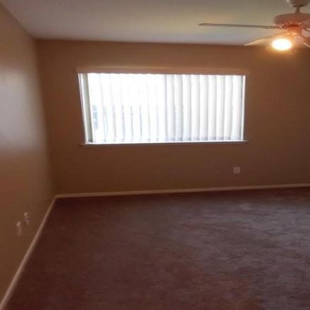 Rent this 3 bed house on 7390 North Ivanhoe Avenue in Fresno, CA 93722