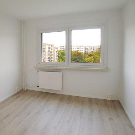 Rent this 3 bed apartment on Wörlitzer Straße 4 in 06132 Halle (Saale), Germany