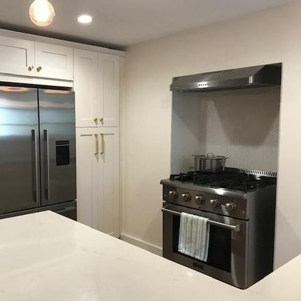 Rent this 2 bed house on 611 Jersey Avenue in Jersey City, NJ 07302