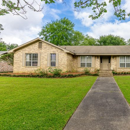 Rent this 4 bed house on 909 South 34th Avenue in Hattiesburg, MS 39402