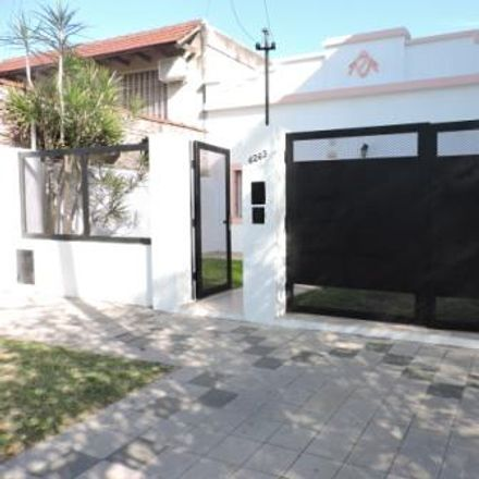 Rent this 0 bed house on Chubut 6297 in Azcuénaga, S2008 Rosario