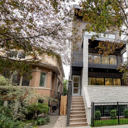Rent this 3 bed condo on 2631 North Bosworth Avenue in Chicago, IL 60614