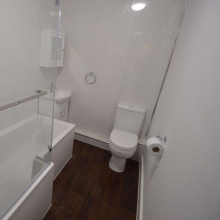 Rent this 2 bed apartment on M602 in Salford M6 5UP, United Kingdom