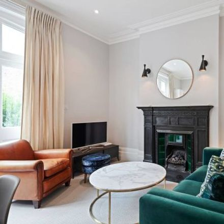 Rent this 2 bed apartment on Castletown Road in London W14 9JR, United Kingdom