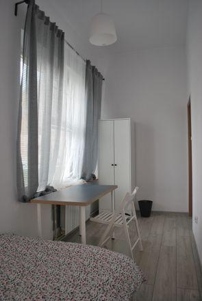 Rent this 5 bed room on Walecznych 13 in 50-341 Wrocław, Polska