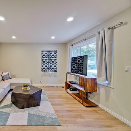Rent this 2 bed apartment on 261 Oak St in Mountain View, CA 94041