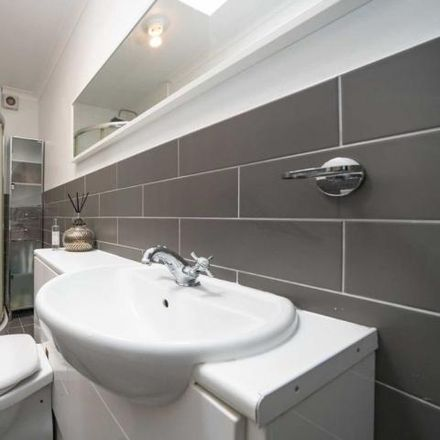 Rent this 4 bed house on Highfield Lane in Old Town HP2 5JE, United Kingdom