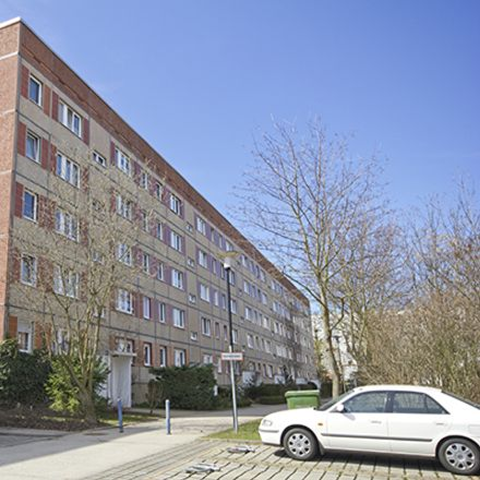 Rent this 3 bed apartment on August-Lamprecht-Straße 9 in 06132 Halle (Saale), Germany