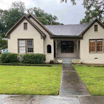 Rent this 4 bed house on 901 Fairview Street in Jackson, MS 39202