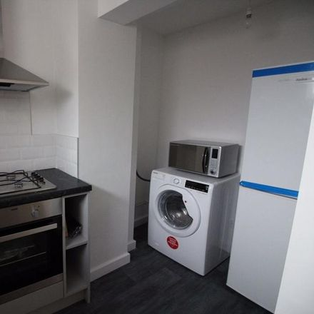 Rent this 1 bed room on Bella Vita Beauty in Albion Street, Dunstable LU6 1SA