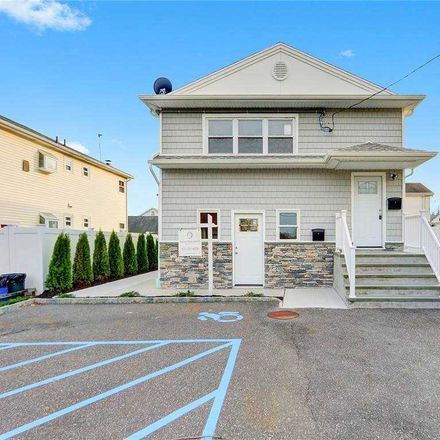 Rent this 3 bed apartment on 137 Glen Head Road in Glen Head, NY 11545