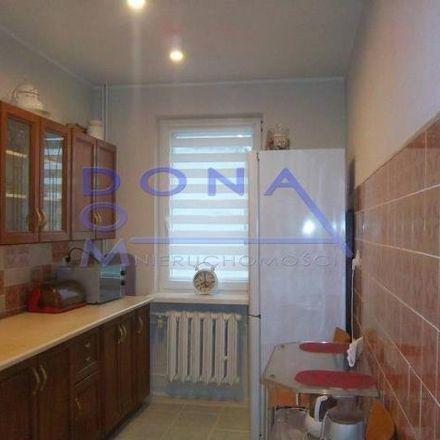 Rent this 3 bed apartment on Guarded Parking (paid) in Pstrągowa, 91-496 Łódź
