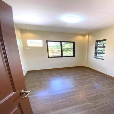 Rent this 6 bed house on Mahogany in Las Piñas, 1750