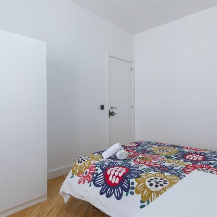 Rent this 5 bed apartment on Dadá in Calle de Velarde, 1