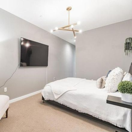 Rent this 3 bed condo on 499 17th St NE in Washington, DC 20002