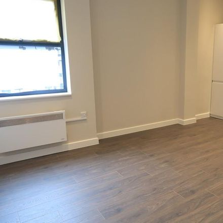 Rent this 2 bed apartment on Basingstoke RG21 7JS
