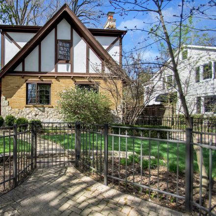 Rent this 5 bed house on 1936 Thornwood Avenue in Wilmette, IL 60091