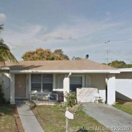Rent this 3 bed house on 1331 S M St in Lake Worth, FL