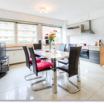 Rent this 4 bed apartment on Kalk-Mülheimer Straße 386 in 51065 Cologne, Germany