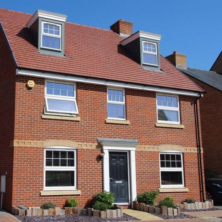 Rent this 5 bed house on Evans Grove in Biggleswade SG18 8JG, United Kingdom
