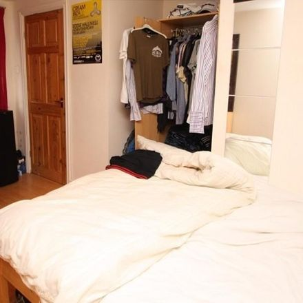 Rent this 3 bed apartment on Claremont Road in Leeds LS6 4ED, United Kingdom